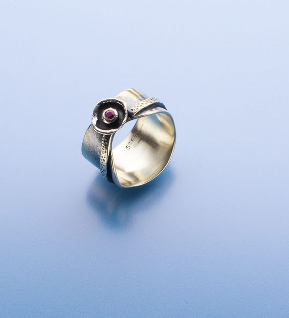 Fancy Pink Sapphire Ring