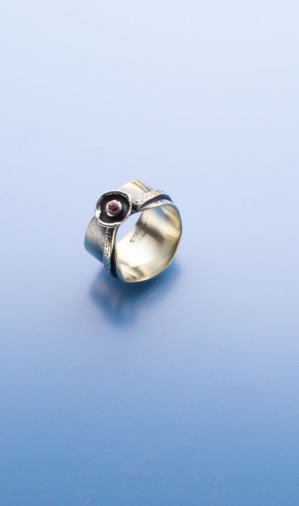 Fancy Pink Sapphire Ring Image